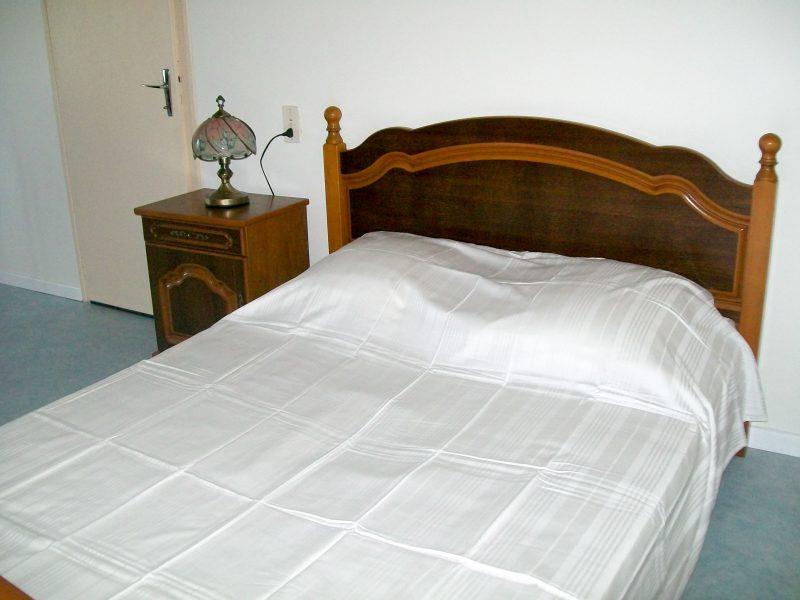 Autre chambre lit 140