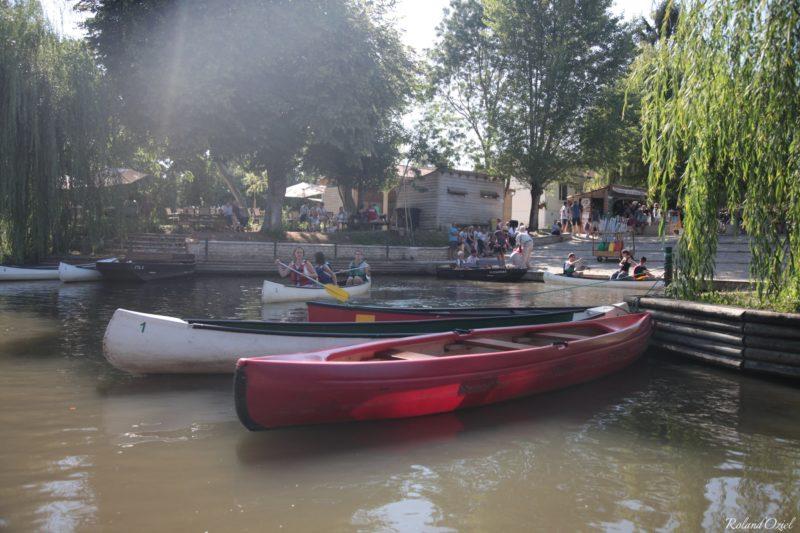 Balade en canoe au travers de la Venise Verte